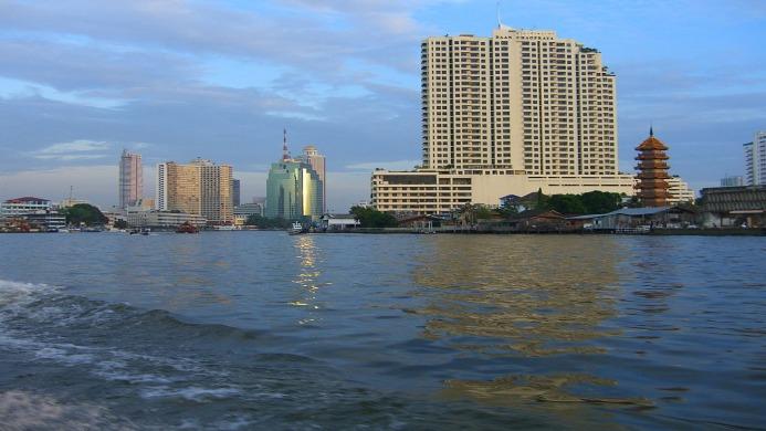 Royal Asia Lodge Bangkok - Muslim Friendly Travel in Bangkok
