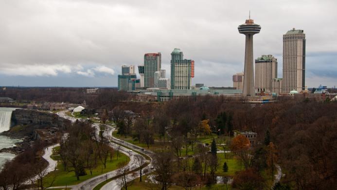 Holiday Inn Niagara Falls - By The Falls - Muslim Friendly Travel in Niagara Falls