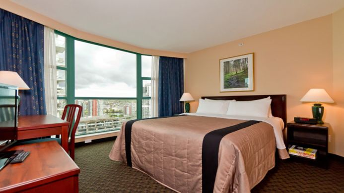 View of Rosedale on Robson Suite Hotel Vancouver - Muslim Friendly Travel in Vancouver