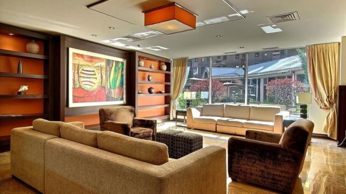 View of Le Nouvel Hotel & Spa Montreal - Muslim Friendly Travel in Montreal, QC