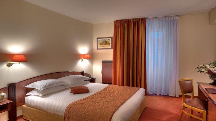 View of Best Western Bordeaux Bayonne Etche-Ona Hotel - Muslim Friendly Travel in Bordeaux