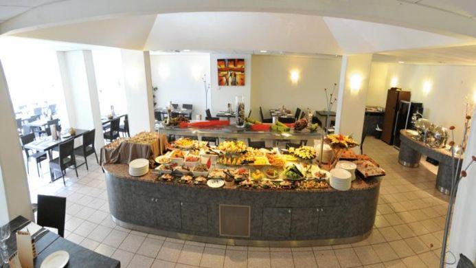 View of Best Western Saphir Hotel Lyon - Muslim Friendly Travel in Lyon
