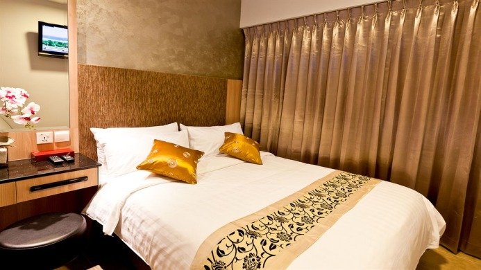 View of Fragrance Hotel Riverside Singapore - Muslim Friendly Travel in Singapore