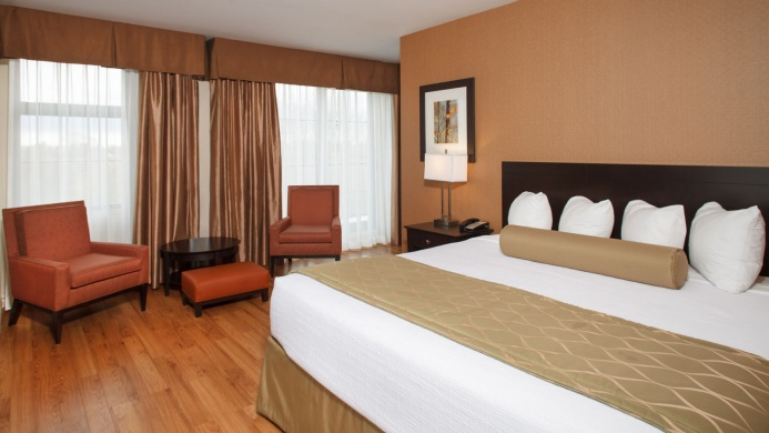 View of Best Western Plus Perth Parkside Inn & Spa - Muslim Friendly Travel in Ottawa