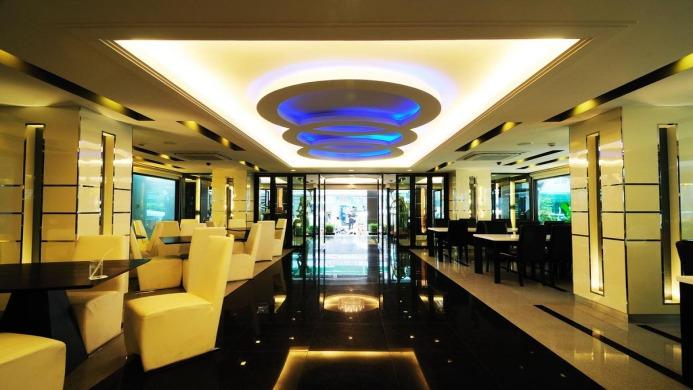 View of Pratunam Pavilion Hotel Bangkok - Muslim Friendly Travel in Bangkok