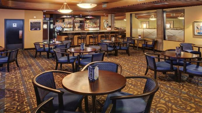 View of Best Western Cedar Park Inn Edmonton - Muslim Friendly Travel in Edmonton