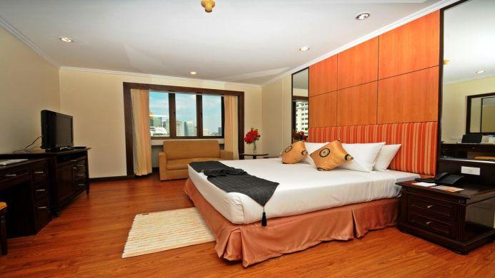 View of Omni Tower Serviced Residences Bangkok - Muslim Friendly Travel in Bangkok
