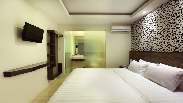 View of Fragrance Hotel Crystal Singapore - Muslim Friendly Travel in Singapore