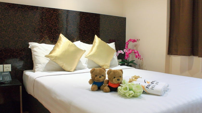 View of Fragrance Hotel Emerald Singapore - Muslim Friendly Travel in Singapore