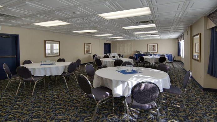 View of Comfort Inn Niagara Falls Welland - Muslim Friendly Travel in Niagara Falls
