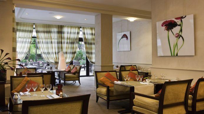 View of La Reine Astrid All Suites Warwick Residence Lyon - Muslim Friendly Travel in Lyon