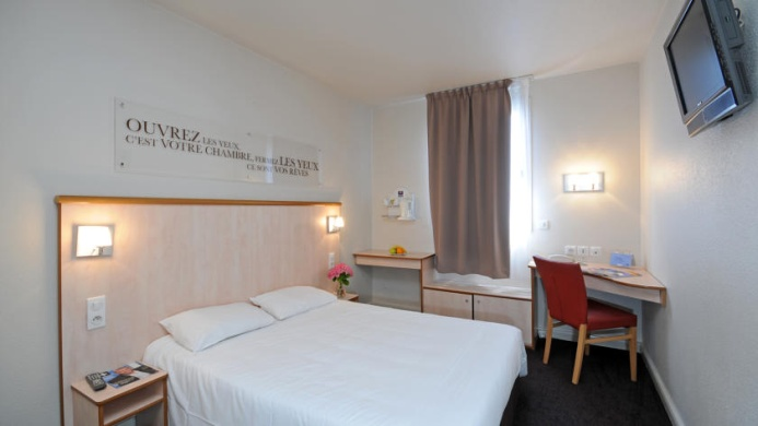 View of Kyriad Hotel Lyon Centre Croix Rousse - Muslim Friendly Travel in Lyon