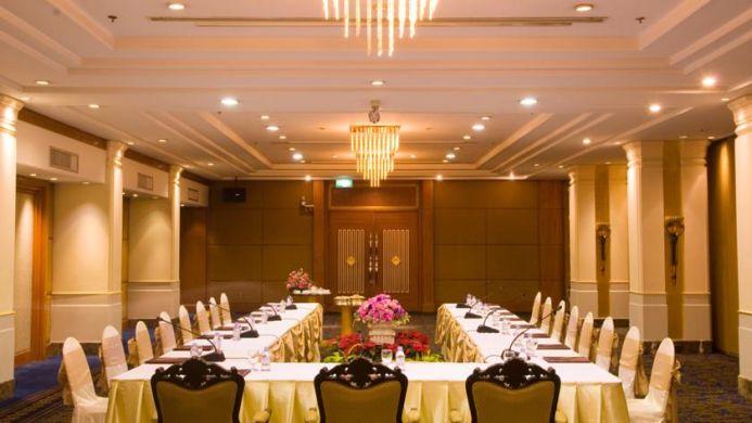 View of The Twin Towers Hotel Bangkok - Muslim Friendly Travel in Bangkok
