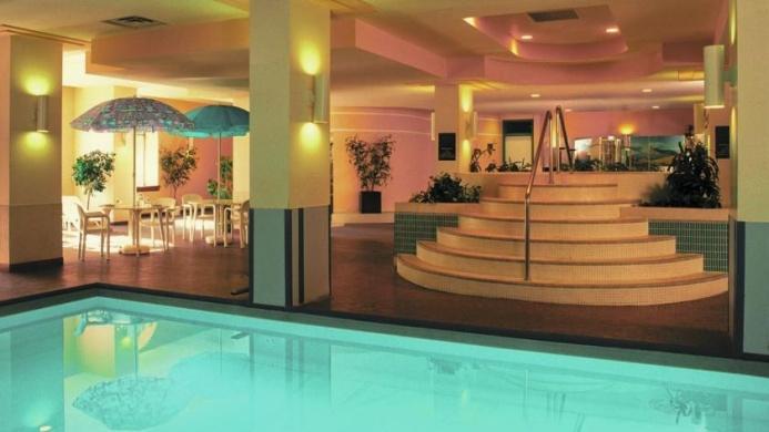 View of Coast Edmonton Plaza Hotel - Muslim Friendly Travel in Edmonton