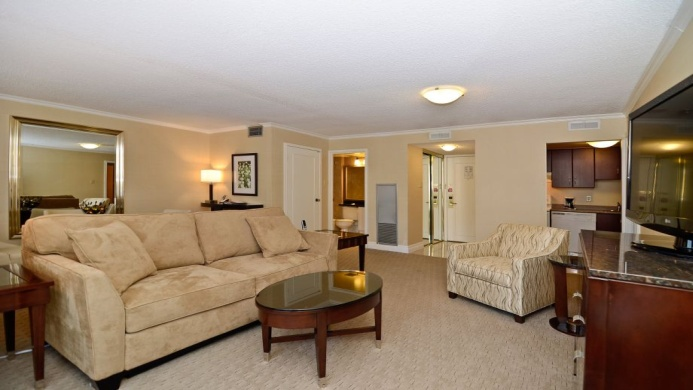 View of Albert At Bay Suites Ottawa - Muslim Friendly Travel in Ottawa