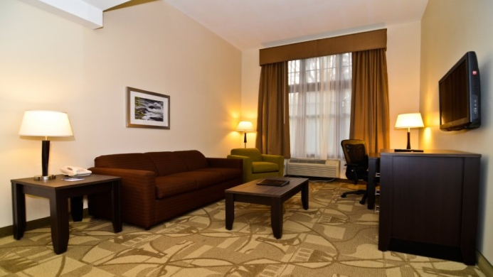 View of Days Inn & Suites by the falls - Muslim Friendly Travel in Niagara Falls