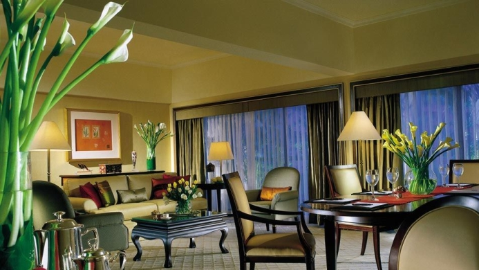 View of Regent Singapore - A Four Seasons Hotel - Muslim Friendly Travel in Singapore