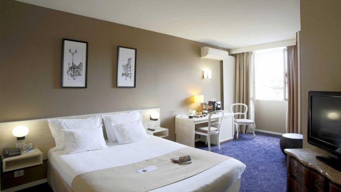 View of Best Western Grand Hotel Francais Bordeaux - Muslim Friendly Travel in Bordeaux