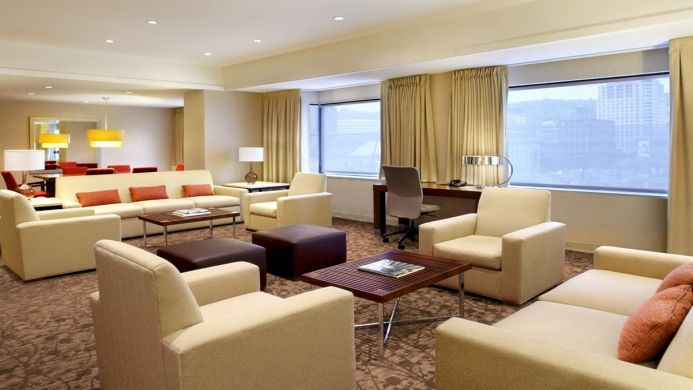 View of Le Centre Sheraton Hotel Montreal - Muslim Friendly Travel in Montreal, QC