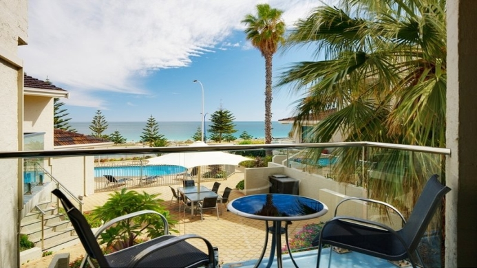 View of Seashells Serviced Apartments Scarborough - Muslim Friendly Travel in Perth