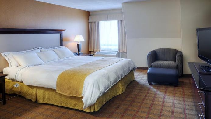View of Radisson Parliament Hill Hotel Ottawa - Muslim Friendly Travel in Ottawa