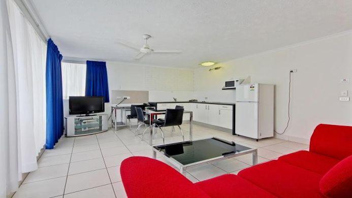 View of Broadbeach Travel Inn Apartments - Muslim Friendly Travel in Gold Coast