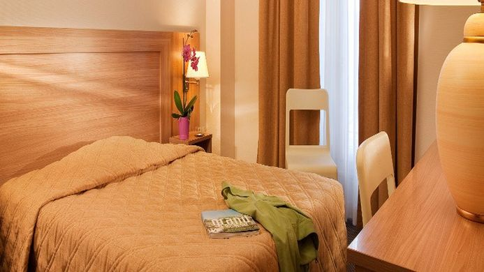 View of Continental Hotel Bordeaux - Muslim Friendly Travel in Bordeaux